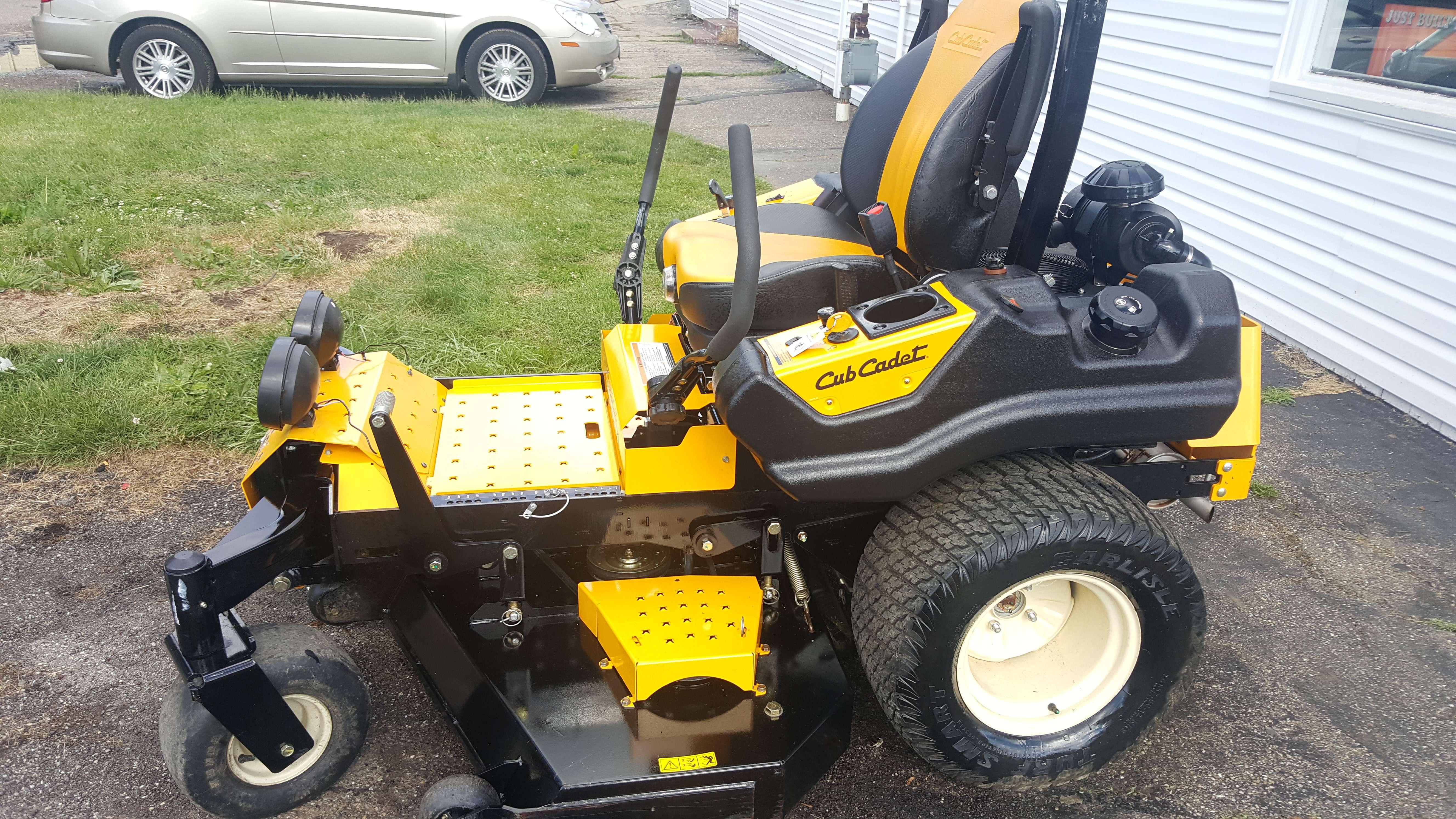 60in Cub Cadet Tank Lz Commercial Zero Turn Mower Only 60