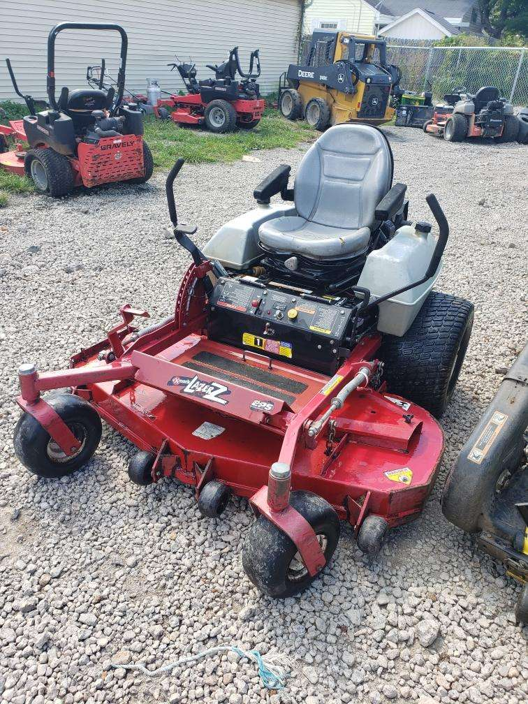 60IN EXMARK LAZER Z COMMERCIAL ZERO TURN MOWER 26HP
